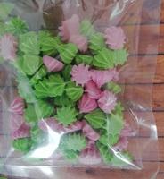 сахарные фигурки мини-безе розово-зеленые (размер 1см)